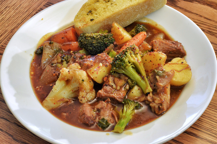 Beef stew containing vegetables.  #Beefstew #Beef #stew