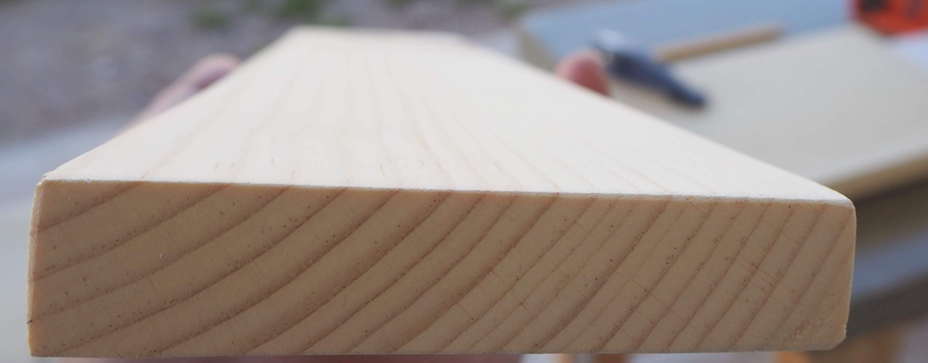 The wood board after the cut.